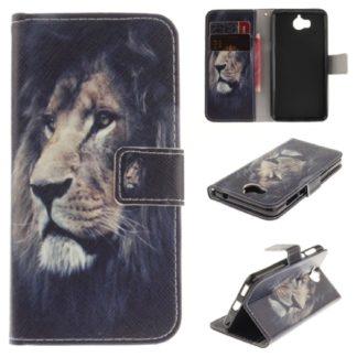 fodral till y6 2017 med ett lejon på, fungerar som plånbok med kortplatser och sedelficka